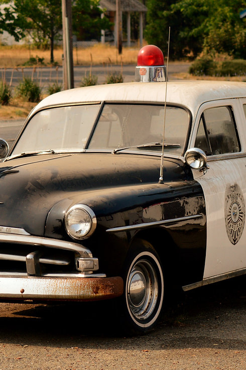 Vintage cop car in Oregon_edited.jpg