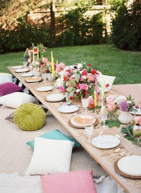 26 Gorgeous Tablescapes To Inspire Your