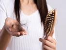 बालों का झड़ना रोकना है तो जरूर अपनाएं यह घरेलू उपाय