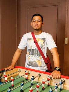 June a 22 ans. Jeune marin philippin, il est deck cadet à bord du HAPPY PELICAN.