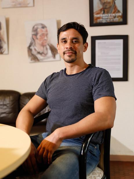 Mirko Fuentes est le seul péruvien à bord de son cargo, le M/T PATRAS. L'internationalisation des équipages a renforcé la solitude et l'isolement des marins.