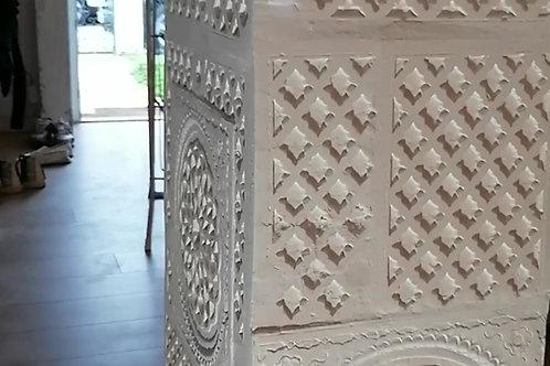 Pilier - Décoration en reliefs andalous et byzantins