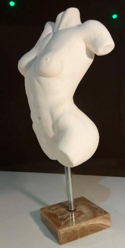 Buste nu marbre Sharanga