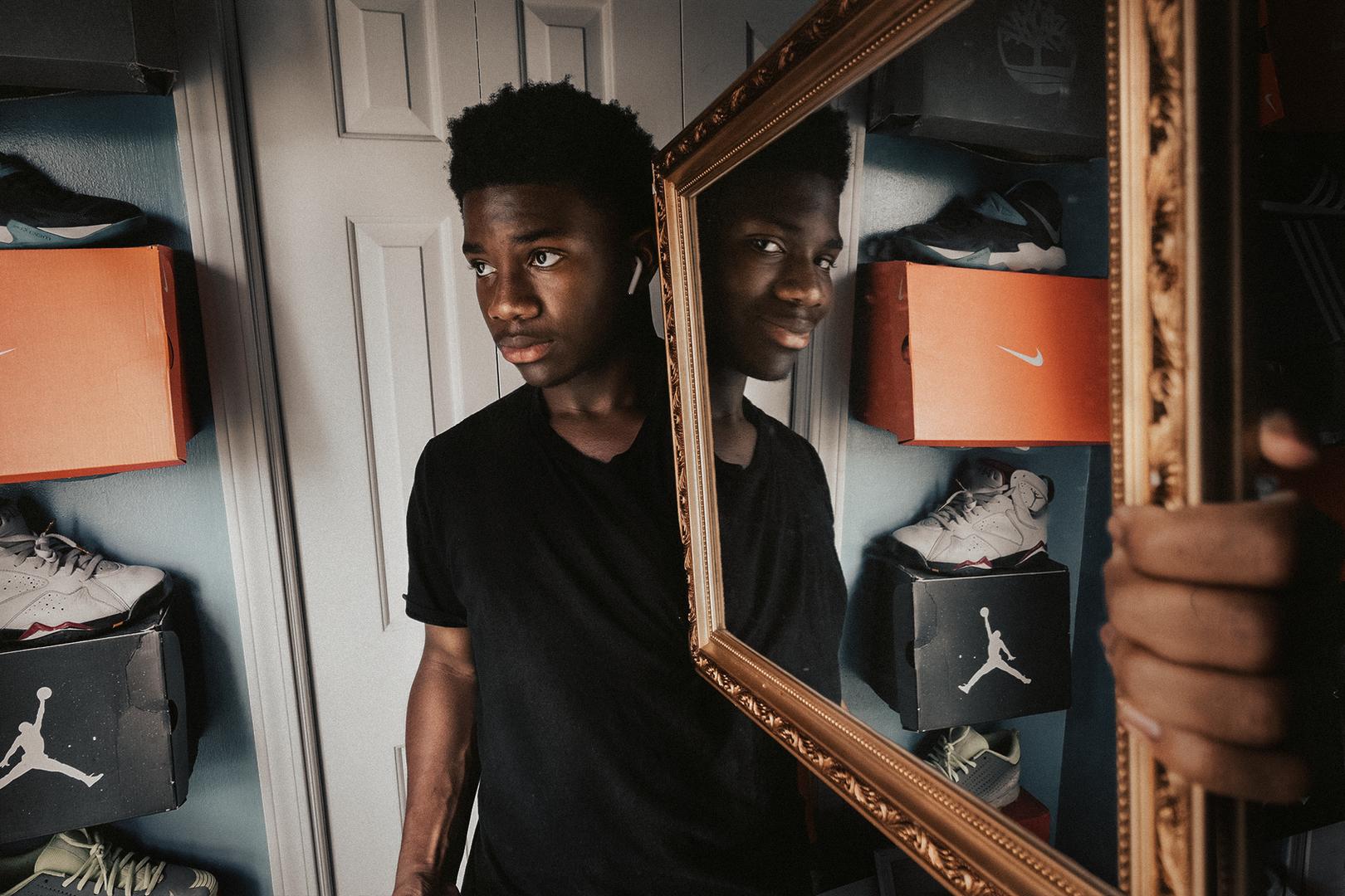 Kris-Mirror.png