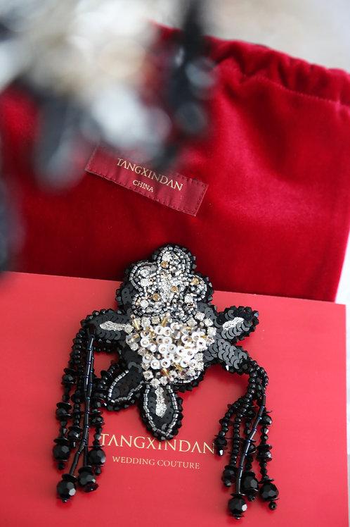 黑色手工刺绣釘珠耳环 Black embroidery beading earring