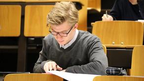 Julius Vering gewinnt Schweizer Physikolympiade