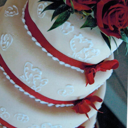 3-Tier Red Roses Wedding Cake