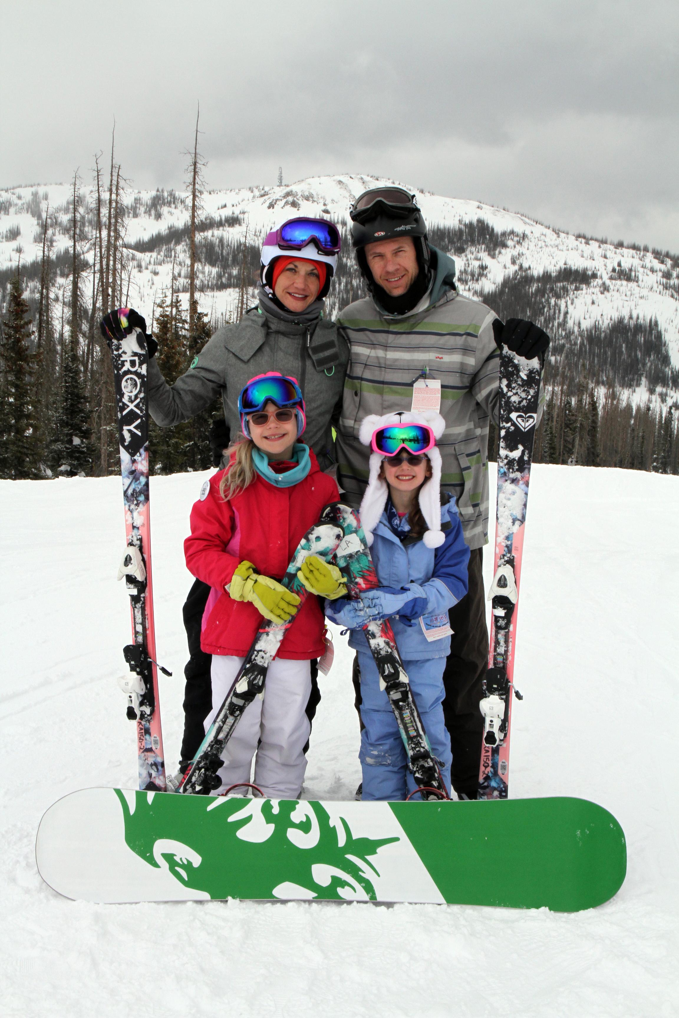 Andersen family ski photo, on the slopes