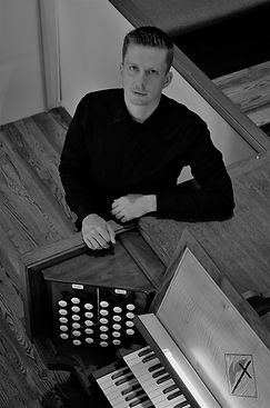 jonathan leonard director of music
