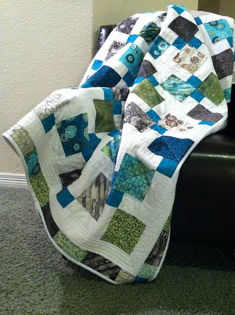 Twin Quilt - Disappearing 9 patch.