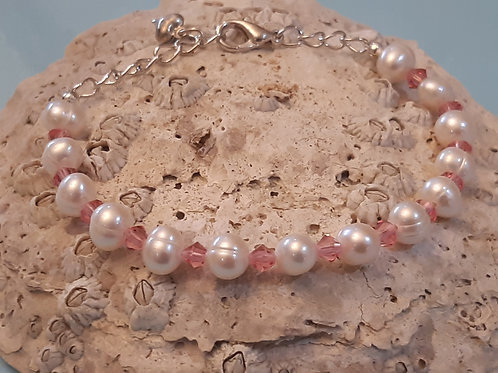 Freshwater Pearl Bracelet with Baby Pink Crystals