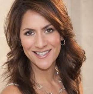 Claudia Lombana Headshot.jfif
