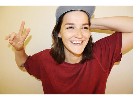 Meet The Comedians: Grace Baldridge