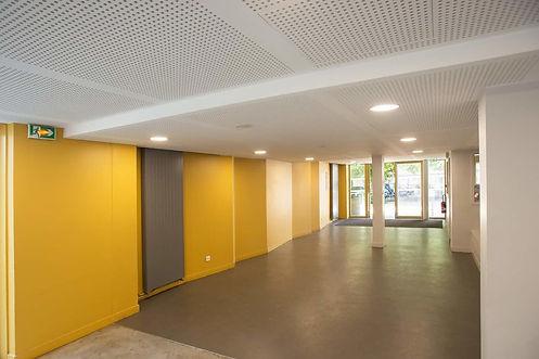 Photo de l'intérieur du Collège Chantemerle à Corbeil-Essonnes