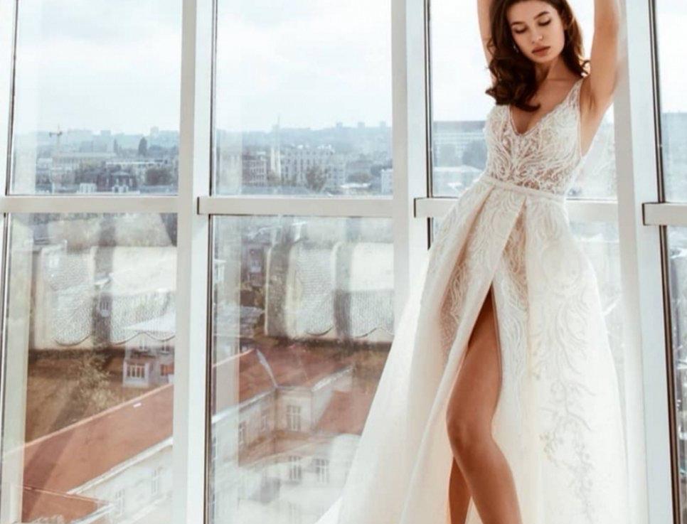 MB003- Outdoor / Beach Luxury Wedding Sparkle Dress- Miriams Bride Collection