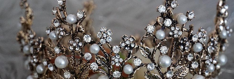 Gold Vintage Pearls Tiara
