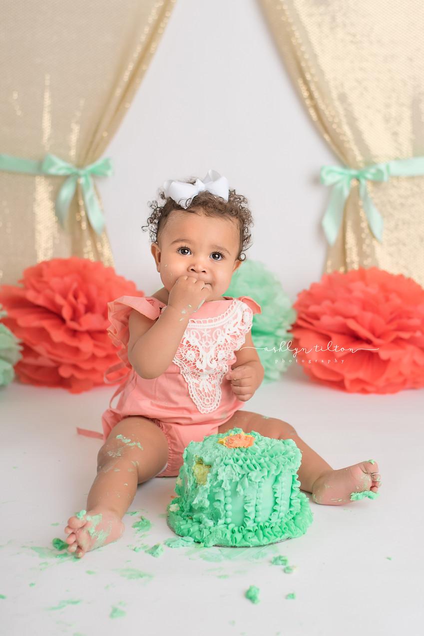 Terrific Baby Scarlett Cake Smash Session One Year Old Birthday Funny Birthday Cards Online Kookostrdamsfinfo
