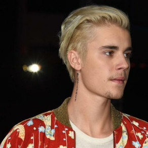 Justin Bieber asks for fans' prayers after revealing he's been 'struggling a lot'