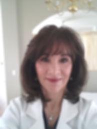 Dana Cochran Face Realiy Acne Specialist
