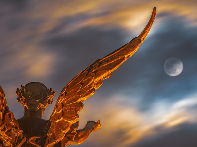 Winged Victory with Supermoon, Oympia, Washington