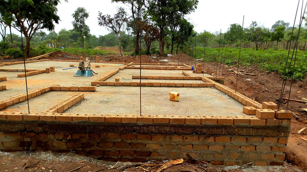 Red bricks houses are better built, safer and cheaper