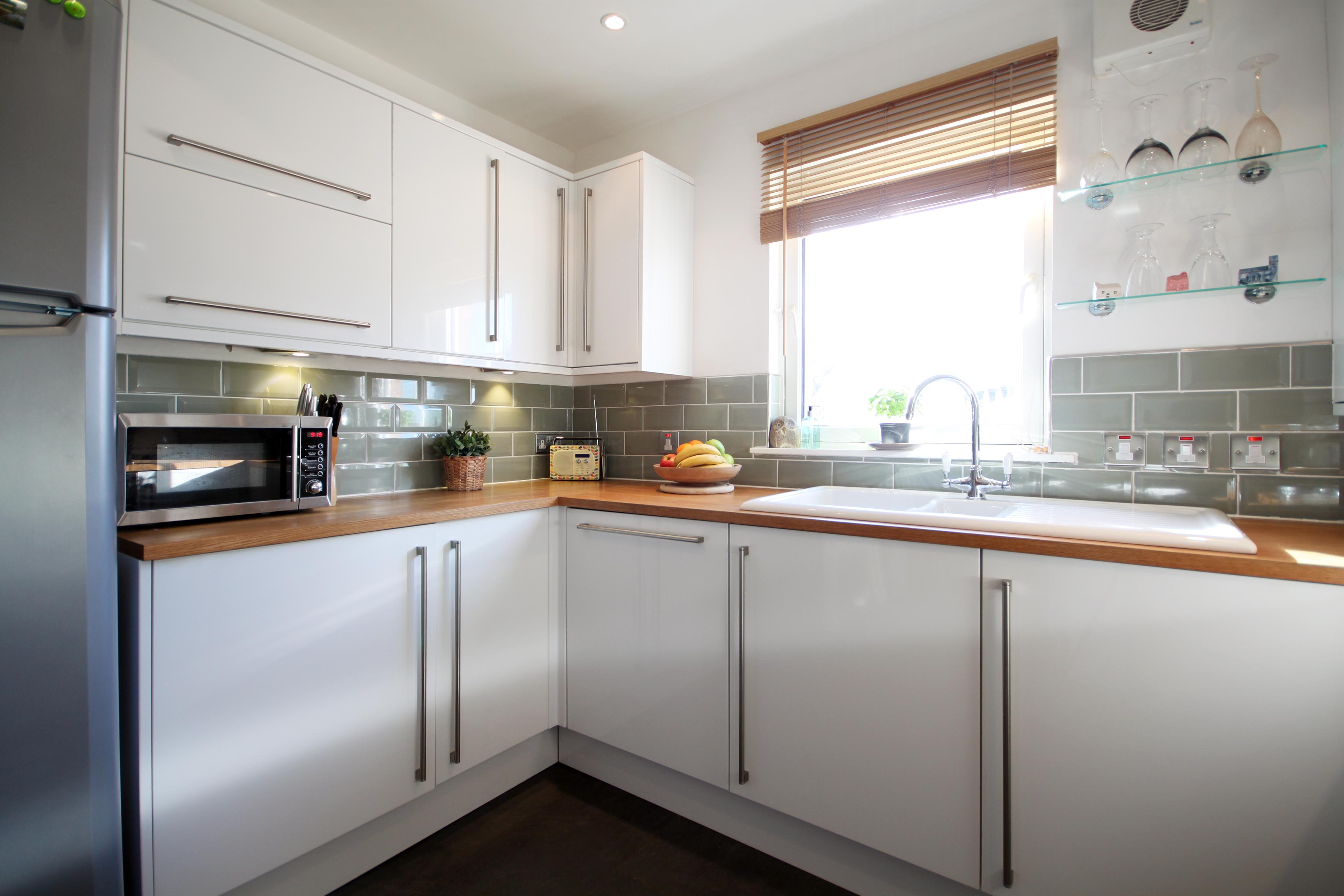 kitchen ang2