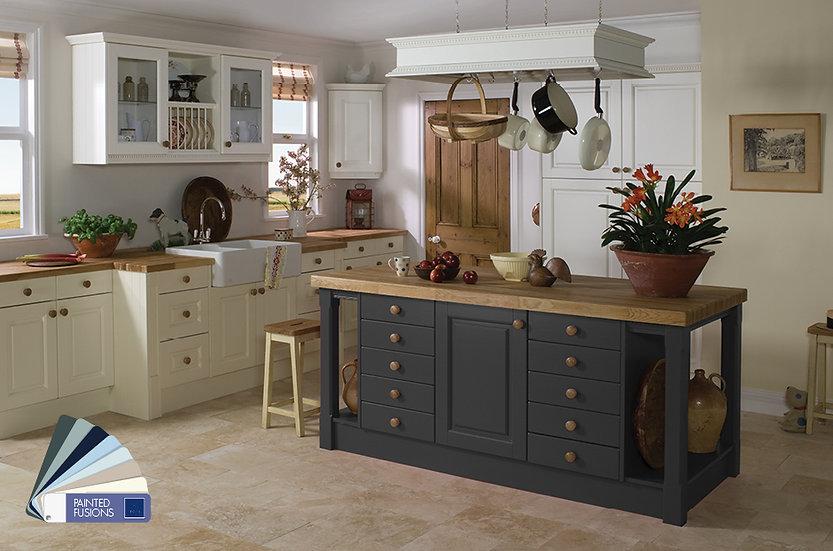 Crown Imperial Ashton Kitchen by Kuche & Bagno