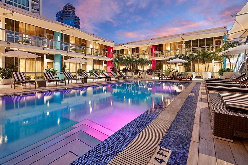 The Gabriel Hotel Miami - Pool Deck Evening View