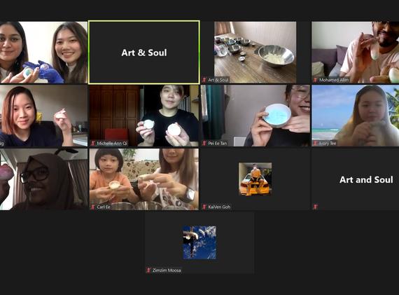 Group photo - Bathbomb Workshop.png
