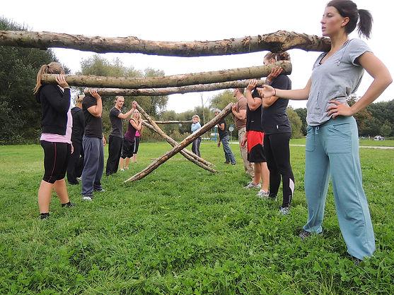 group-training-685422_1920.jpg