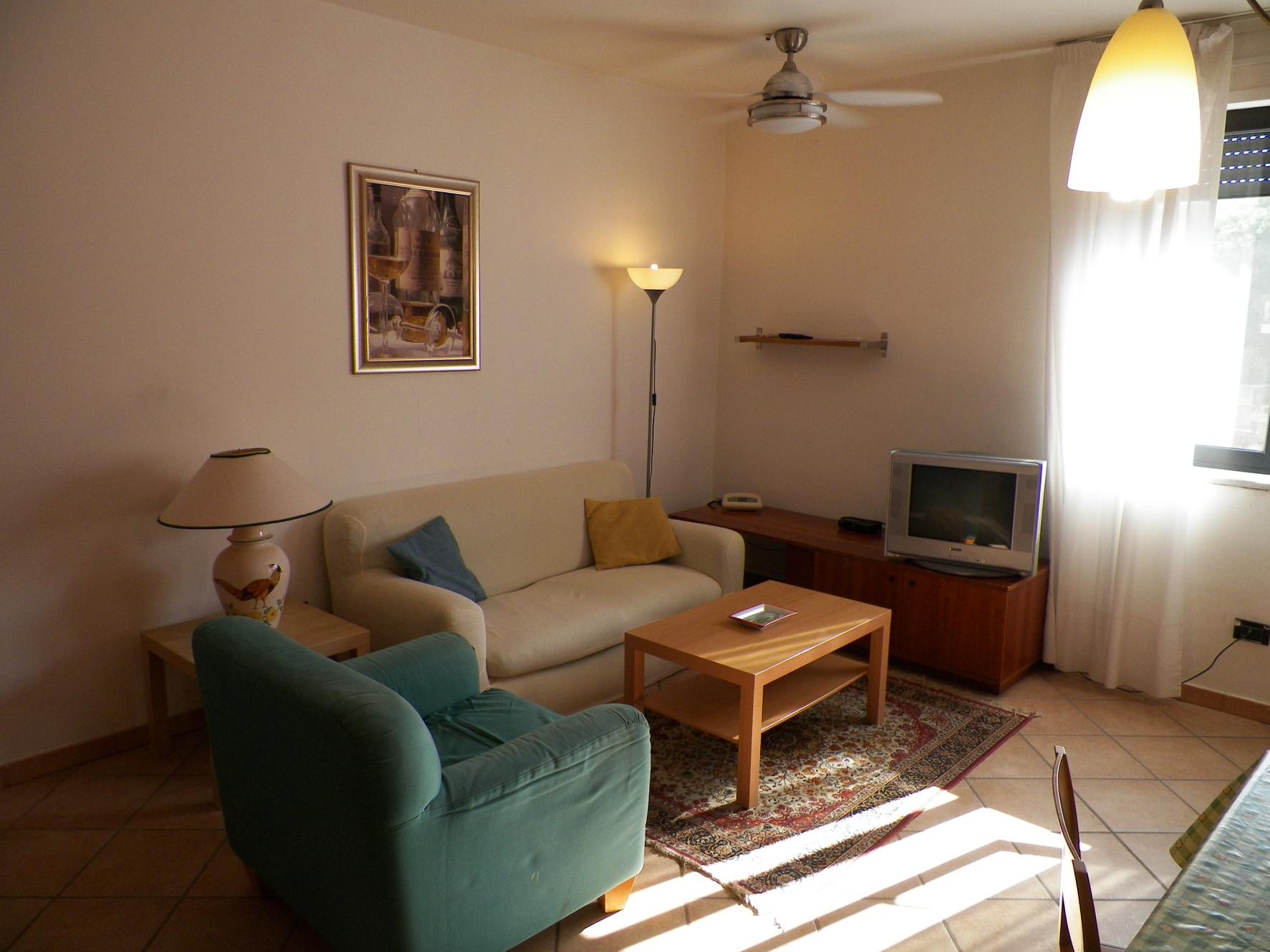 Averno residence affitti bilocali arredati b b napoli pozzuoli for Appartamenti arredati napoli