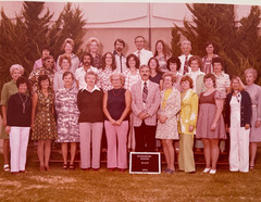 1975_Group Picture - Staff - Mona Choi H