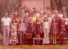 1975_Group Picture - Hass - Mona Choi Hw