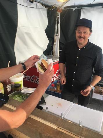 Mario Bakes Some Burgers