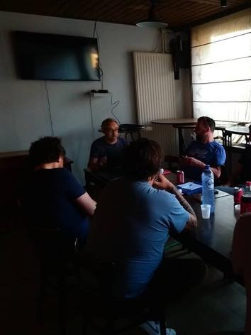 Eerste vergadering in de Chapeau