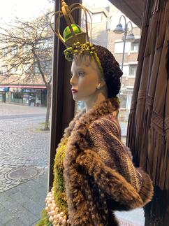Lady Winter mit Krone