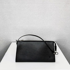 Louis Vuitton Pocvhette