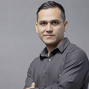 Alberto González