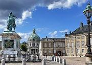 Amalienborg Cstle.jpg