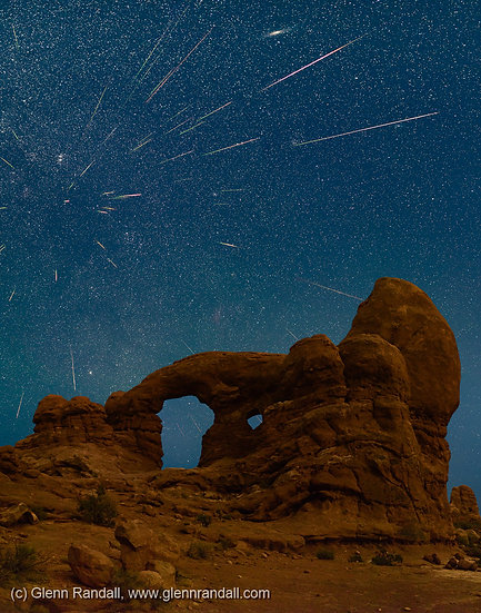Perseid Meteor Shower over Turret Arch