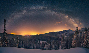 Milky_Way_Panorama_Longs_Peak_master_300