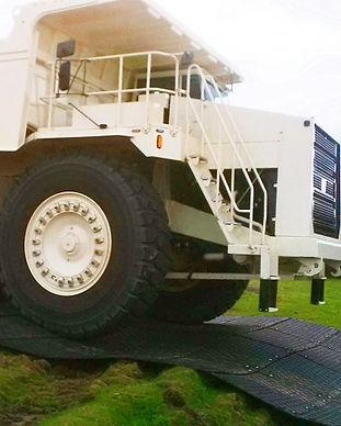 MaxiTrack 100 tonne truck.jpg