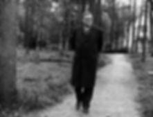 Шостакович в Доме творчества композиторов Репино. Фото ТАСС.jpg