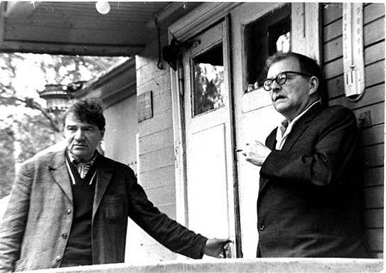 "Репино. Дмитрий Шостакович и Борис Клюзнер на крыльце ""Голубой дачи"". Автор фото неизвестен"