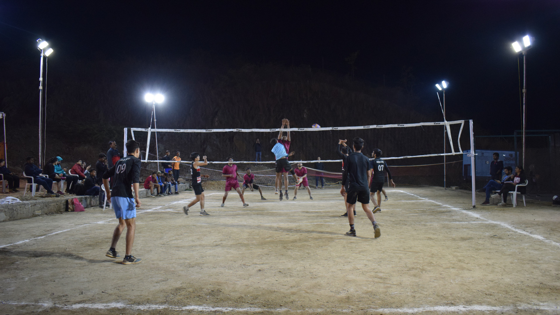 IIMU_Utkrisht_Volleyball_opponent