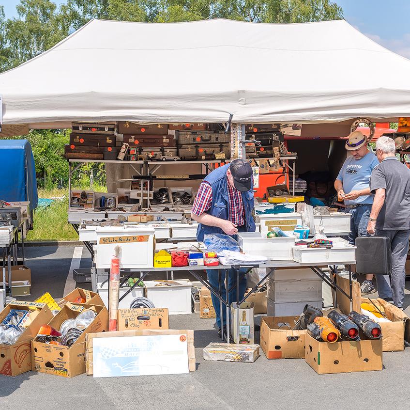 Teilemarkt beim Veteranentreffen