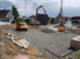 Betonieren der Bodenplatte in Waldernbac