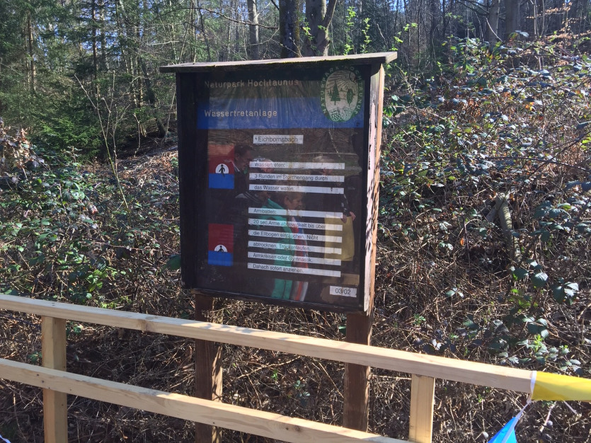 Informationstafel zur neuen Wassertretanlage Eichbornsbach