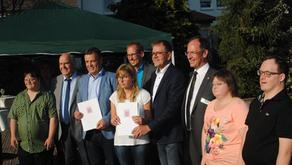 Minister Klose übergibt Förderbescheid zum Inklusionshaus