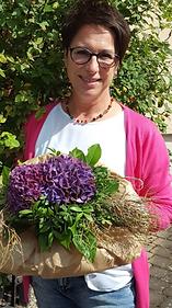 Elke Ludwig-Merz hat die Weiterbildung zur Pflegberaterin und Kursleiterin bei de Krankenpflegestation Aarbergen-Hohenstein absolviert.